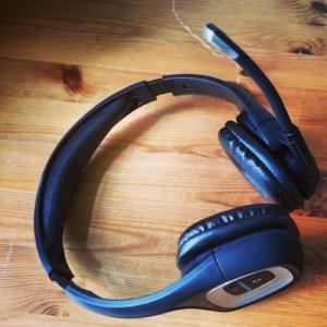Plantronics .Audio 995 Wireless podcast headset microphone