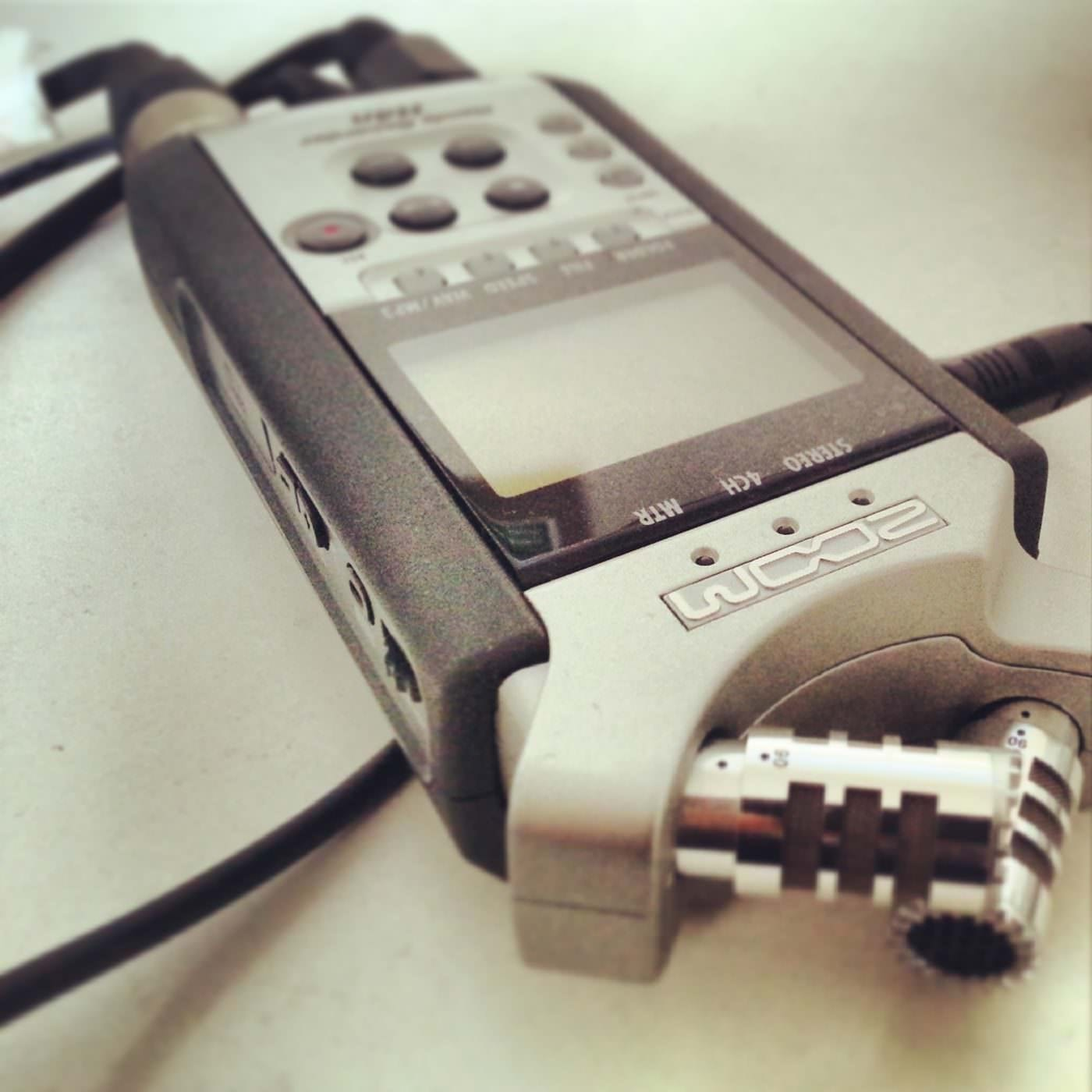 digital podcast recorder zoom h4n