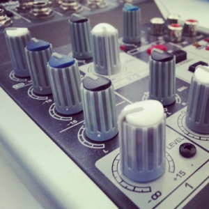 finding the best podcasting mixers